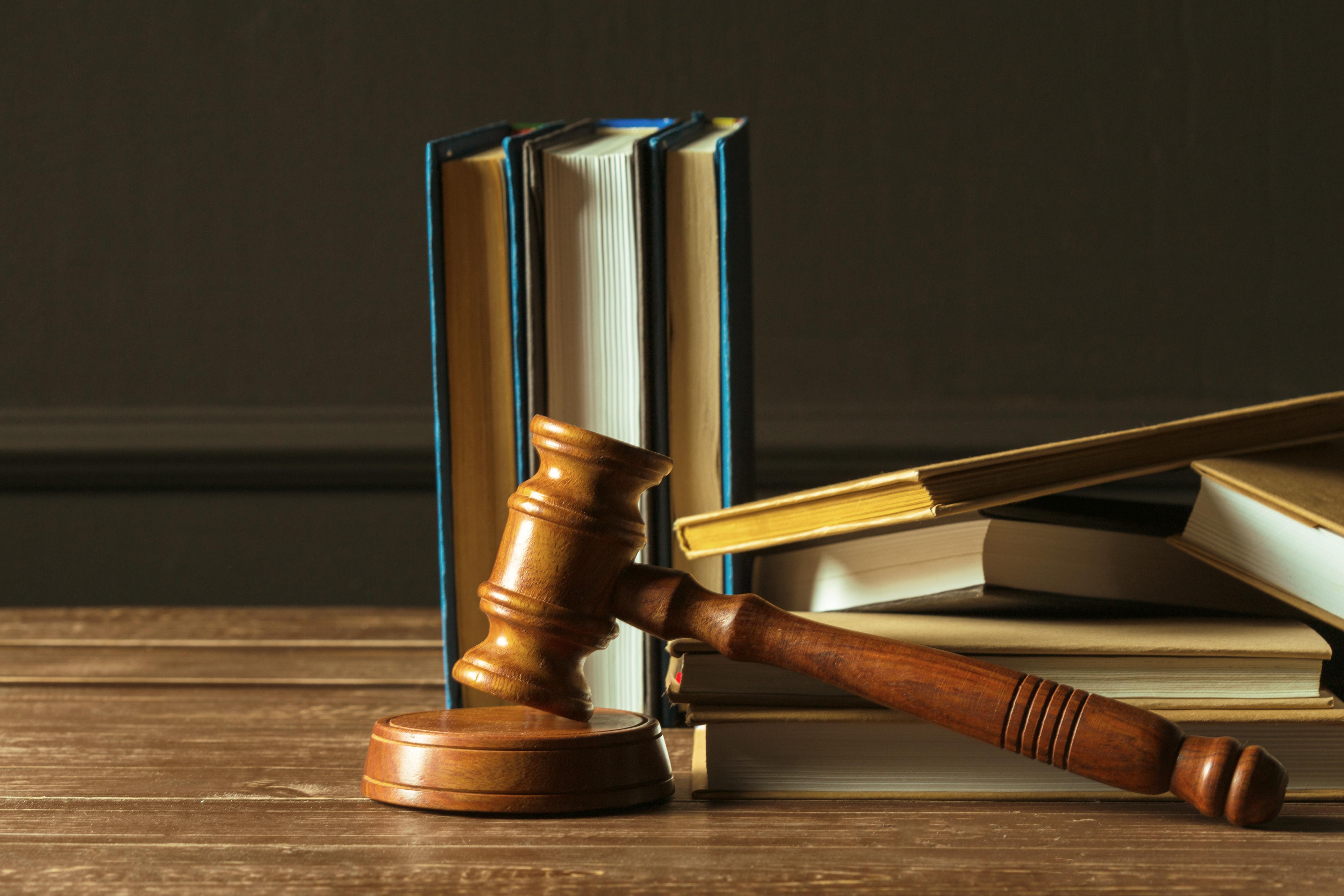 Anayasa Hukuku Pratikleri, İstanbul Üniversitesi Hukuk Fakültesi 2018 Vize Sınavı ve Cevap Anahtarı. Hukuk Sebili aracılığı ile.