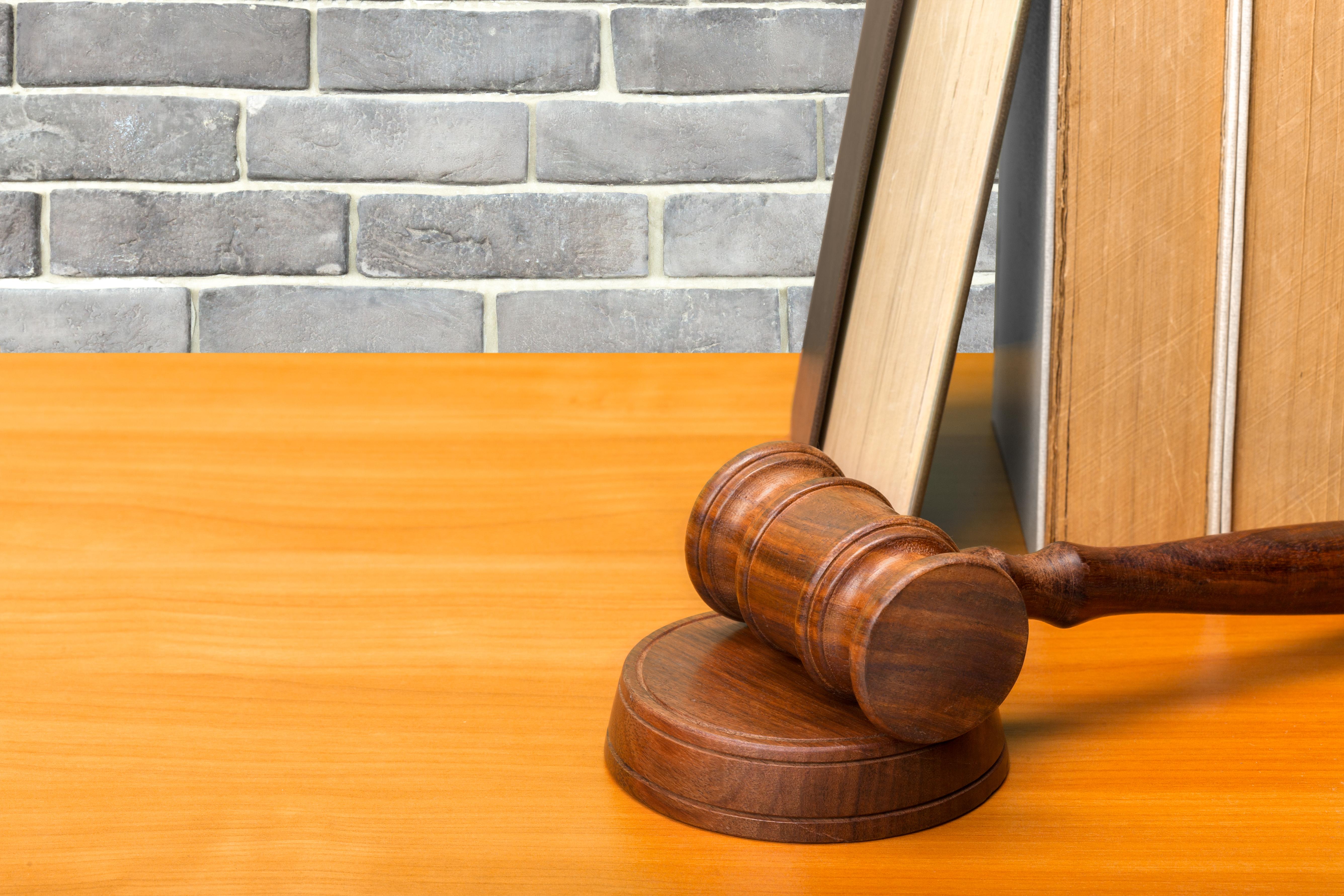 Roma Hukuku Pratikleri sayfasında bugün, İÜHF 2016-2017 Roma Hukuku Final(TEK) Soruları ve Cevap Anahtarı ile karşınızdayız. Hukuk Sebili aracılığı ile.