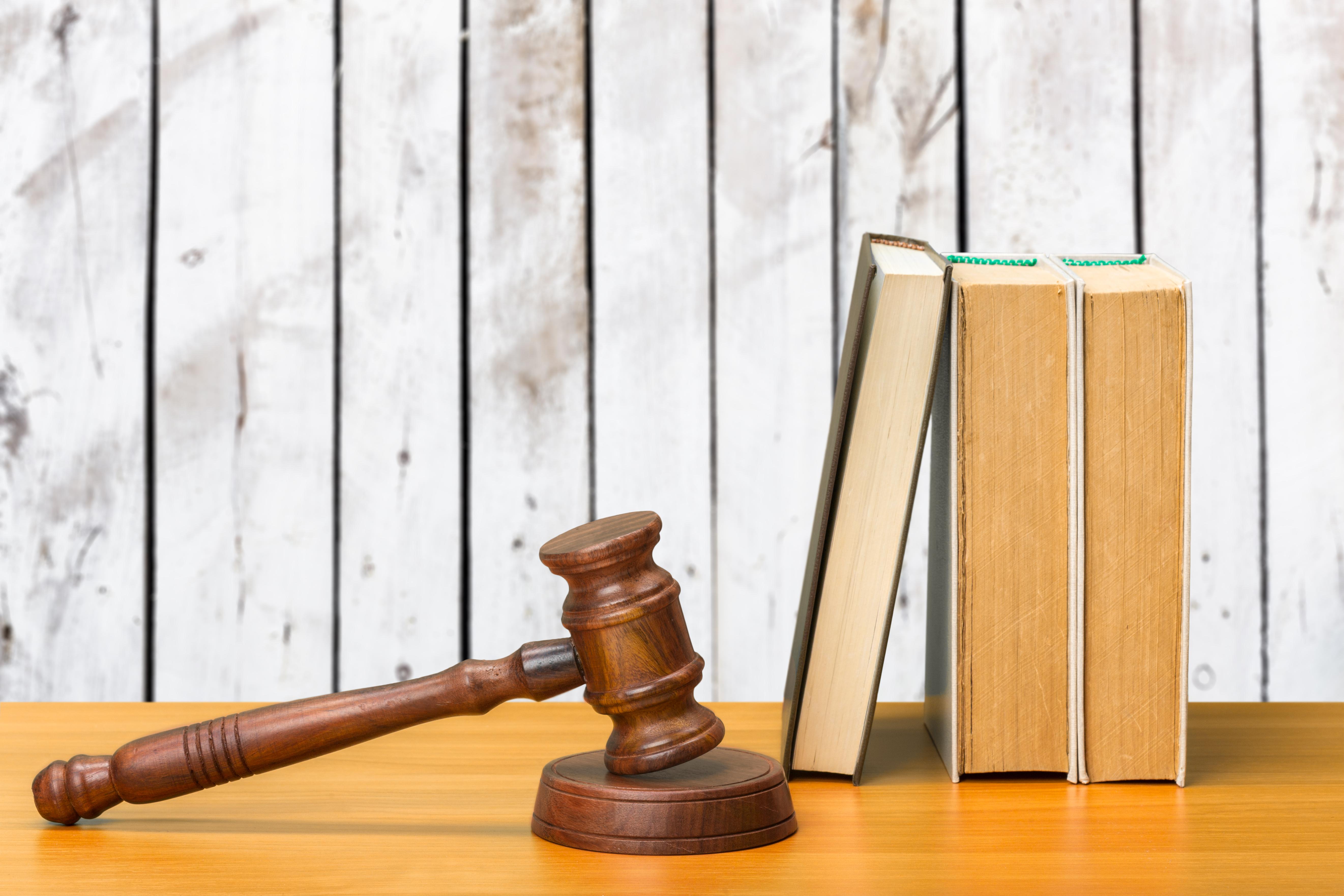 M.Kasım Dağlı Borçlar Hukuku Ders Notu. Tam 164 sayfa ve tüm konuları kapsıyor. Neredeyse bir Borçlar Hukuku kitabı kadar iyi. Hukuk Sebili aracılığı ile.