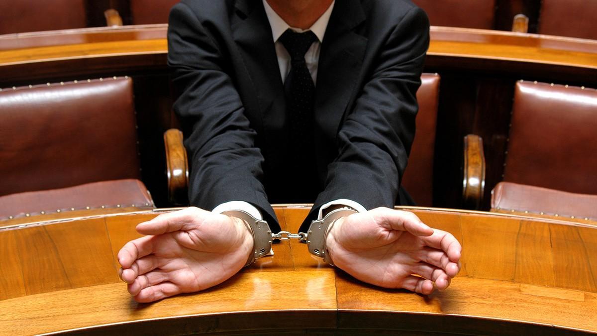 Feridun Yenisey hocamızın editörlüğünde hazırlanmış bir kitap, tüm sorularınızı cevaplandıran ceza muhakemesi hukuku ders notu. Hukuk Sebili aracılığı ile.