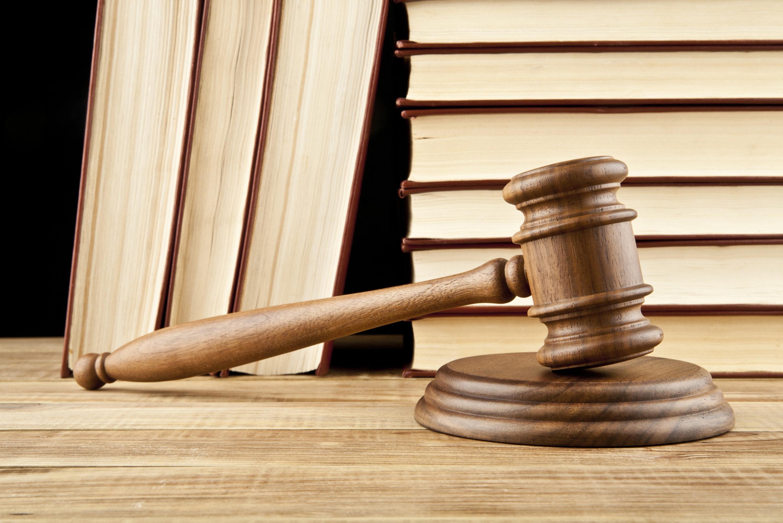 Kitaplara meydan okurcasına yazılmış bir Medeni Usul Hukuku Ders Notu. Tam 121 sayfa! Bir notun kitaba en yakın hali. Hukuk Sebili aracılığı ile.