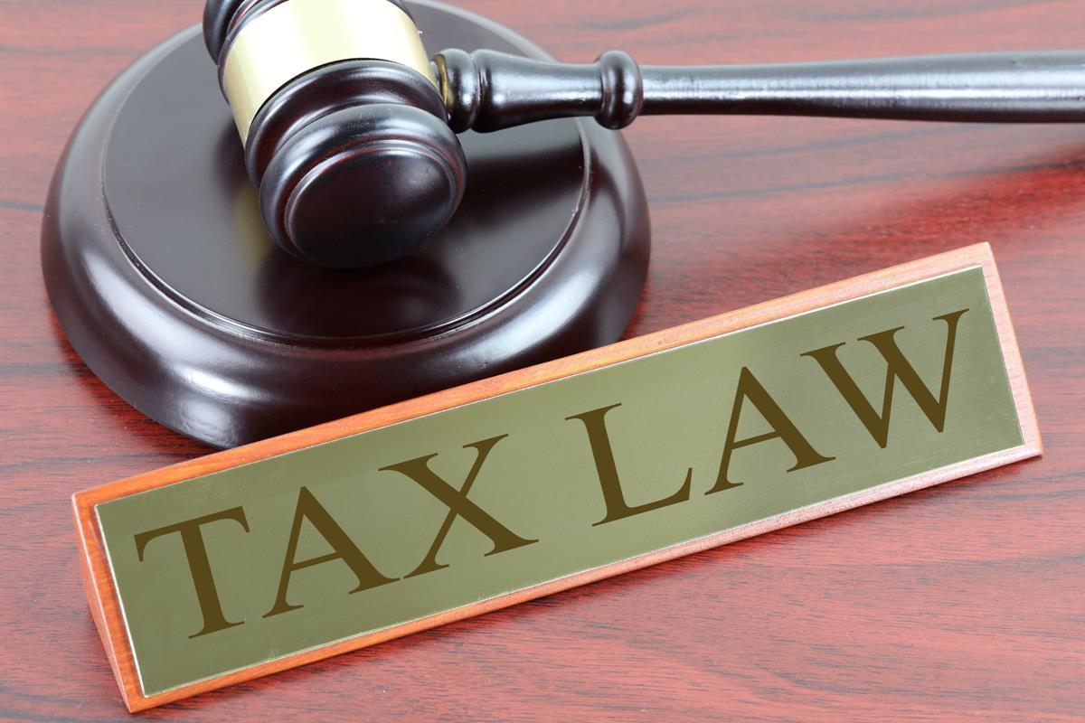 Tüm konuların kısa özet Vergi Hukuku Ders Notu. Sınav öncesi genel tekrar yapmak için ideal, tüm konular 21 sayfaya sığmış! Hukuk Sebili aracılığı ile.