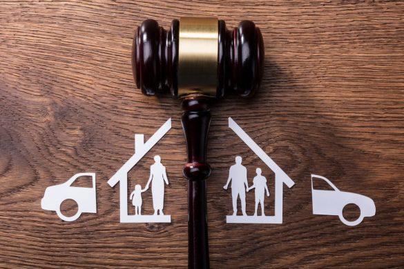 Medeni hukukun bölümlerini ayrı ayrı değil, tüm konularını bir arada anlatan, kaliteli bir medeni hukuk ders notu. Hukuk Sebili aracılığı ile.